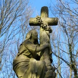 Angel in Highgate Cemetery East (c) Joao Paulo Ferreira